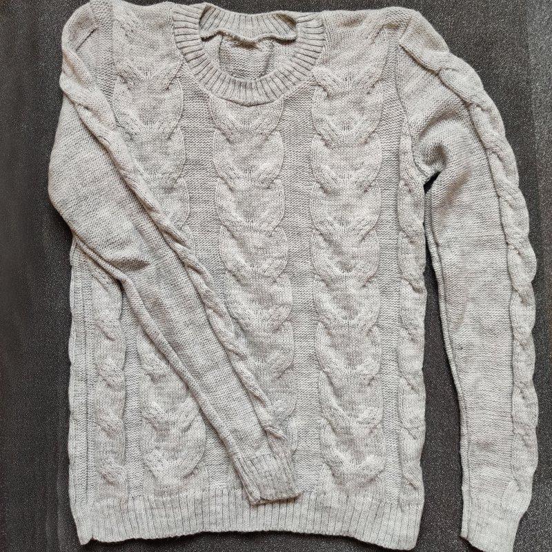 REA! Gotländsk stickad långärmad tröja ljusgrå. 70% ull.