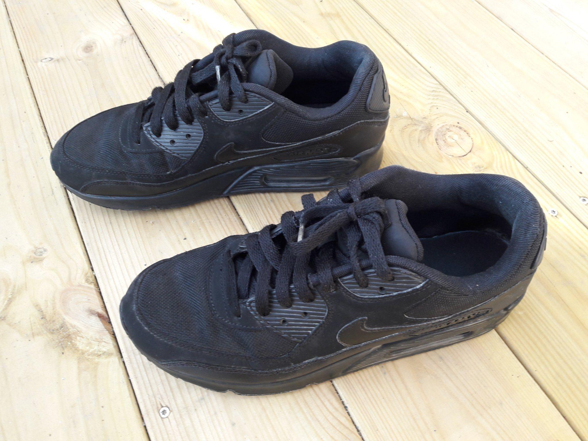 promo code 72647 c9f31 Nike Air Max 90, svarta, storlek 41,gympaskor, träningsskor
