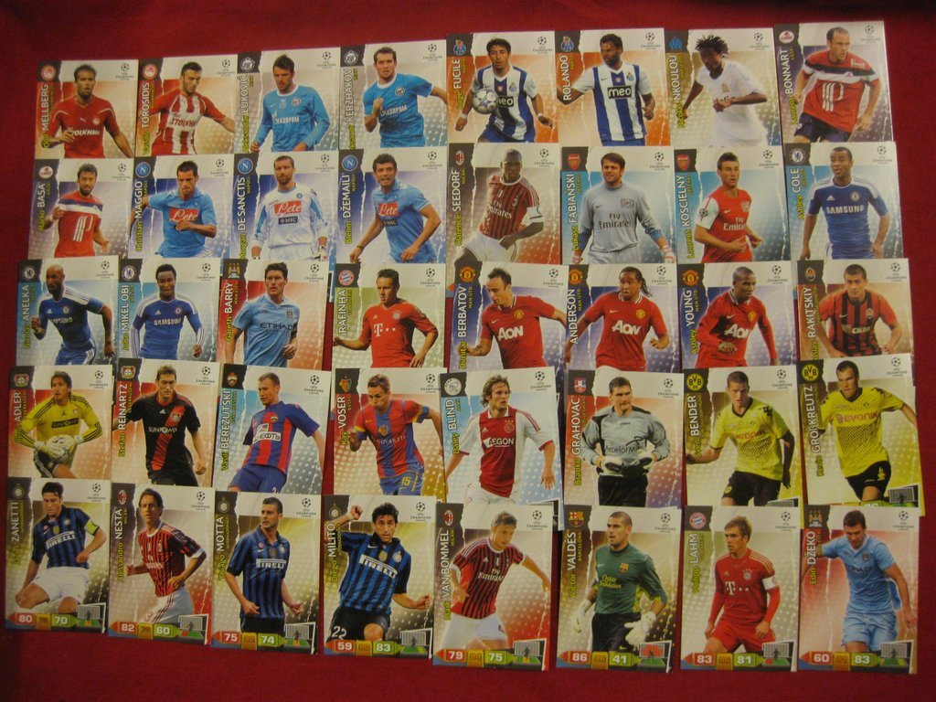 CHAMPIONS LEAGUE 2011-12  PANINI ADRENALYN:  40 ST FOTBOLLSKORT - LOT 1