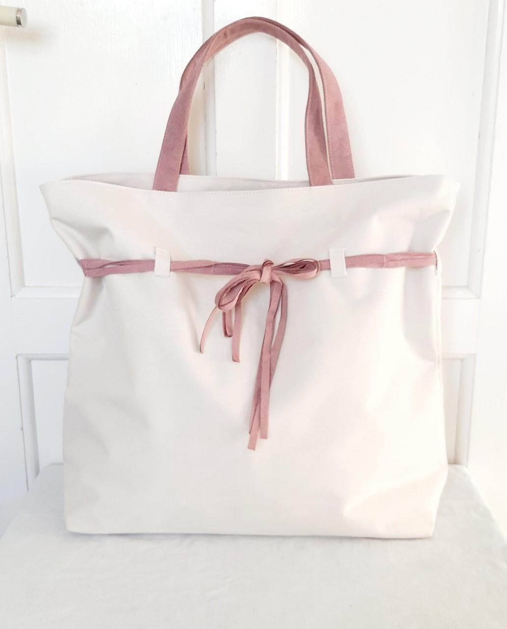 Beige stor väska Lancome weekendbag handväska dam äkta mocka rosa band Nyskick!