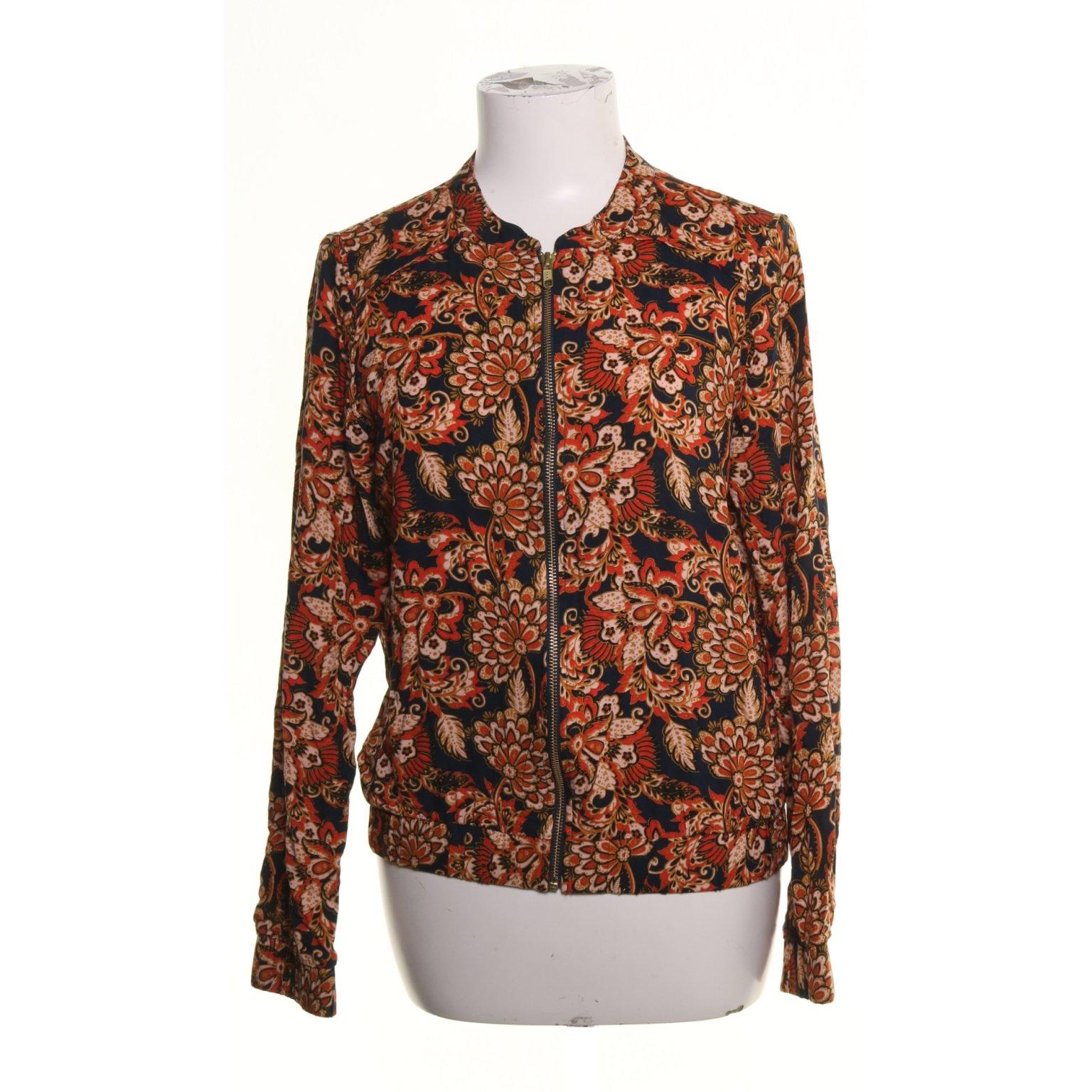 beställa online leta efter ny hög kvalitet VILA Clothes, Bomberjacka, Strl: S, Print.. (379379907) ᐈ Sellpy ...