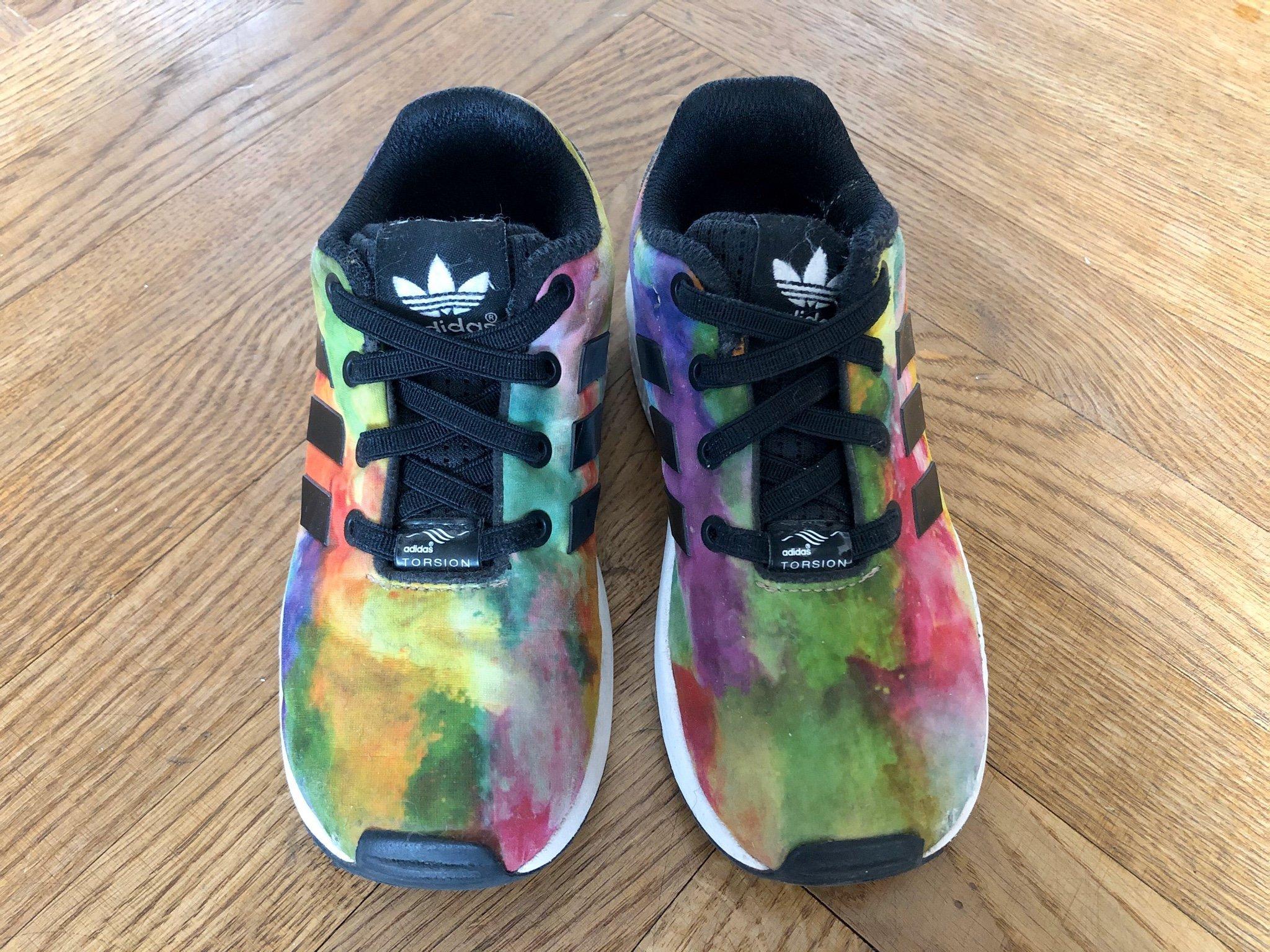 Adidas skor, strl 27 (395862629) ᐈ Köp på Tradera