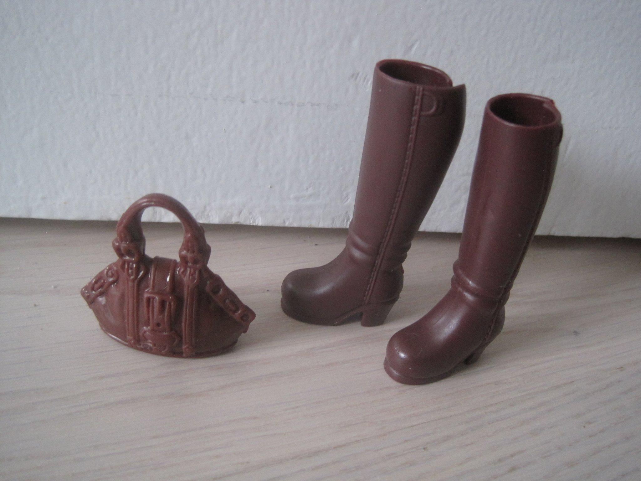 Barbie Snygga stövlar och väska höst (366870362) ᐈ Köp på