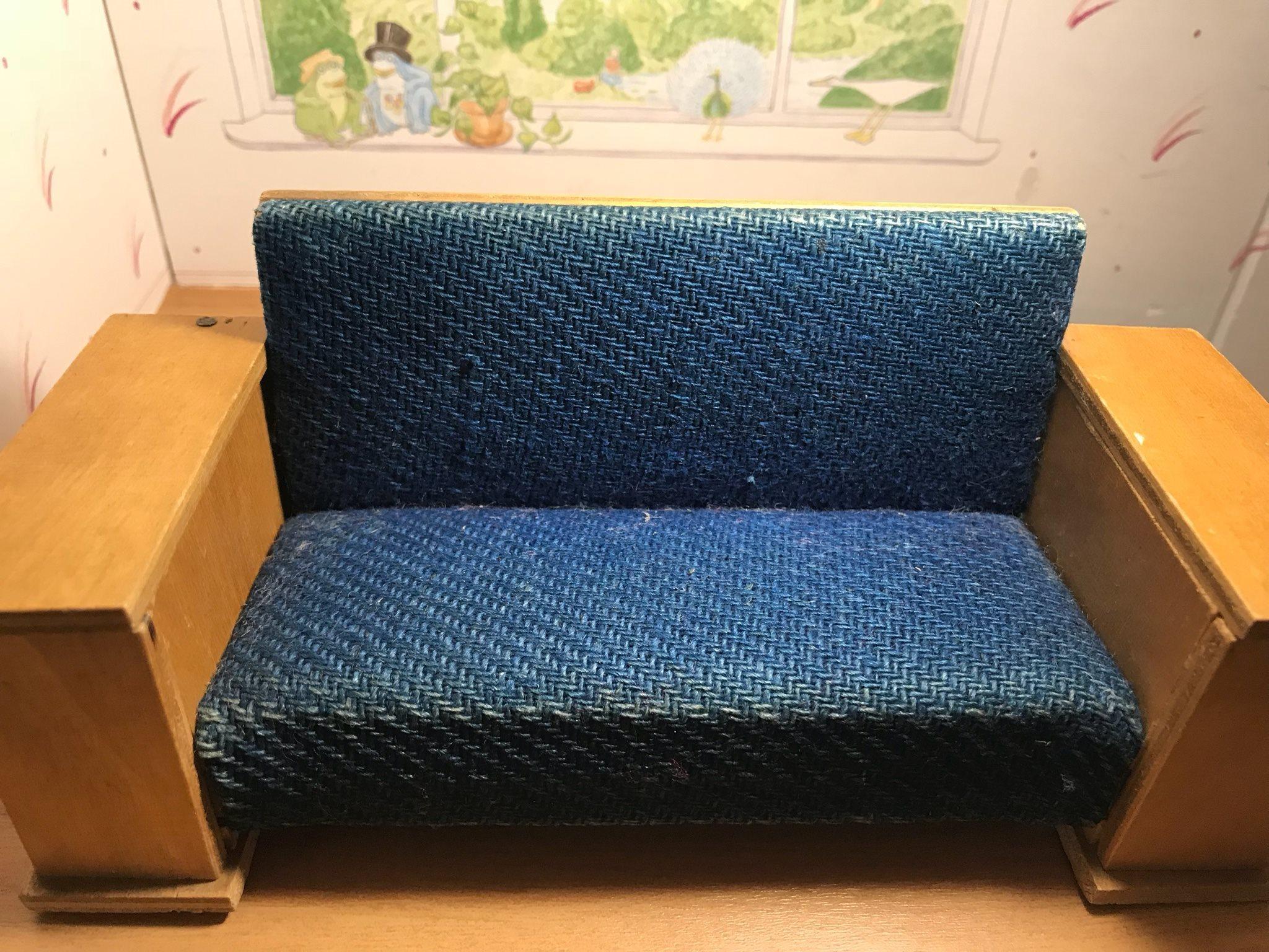 """Ovanlig """"Tekno"""" soffa med etikett etikett etikett fd419c"""