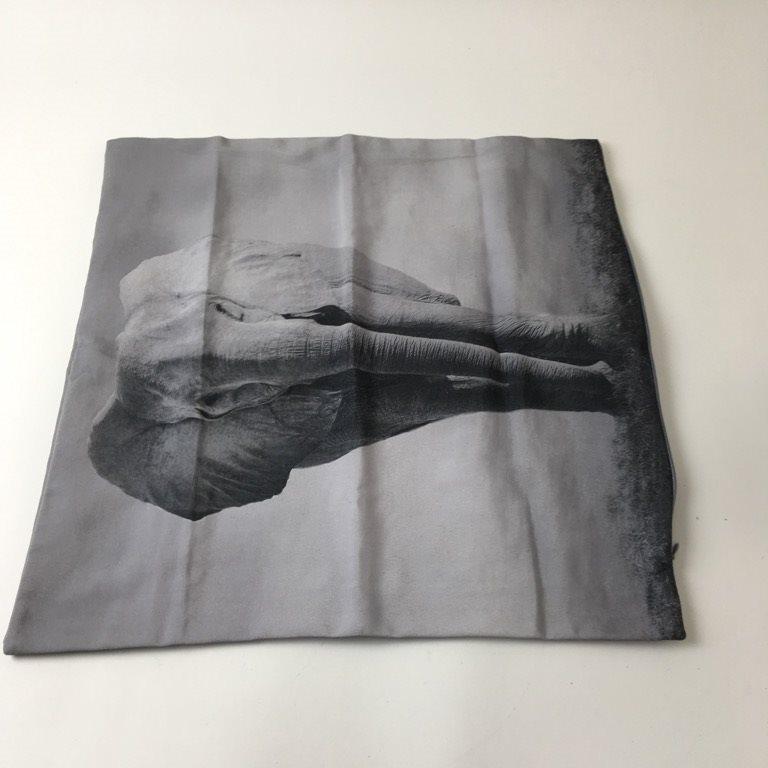 rusta väggfärg grå