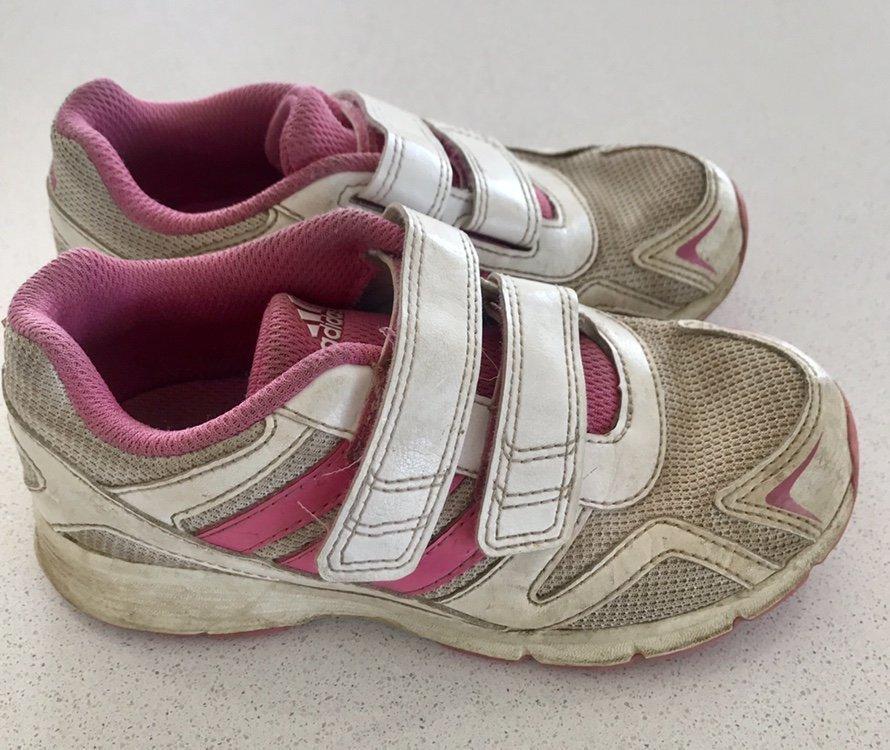 Storbritannien köpa försäljning ankommer Adidas skor, stl 28 (352140072) ᐈ Köp på Tradera