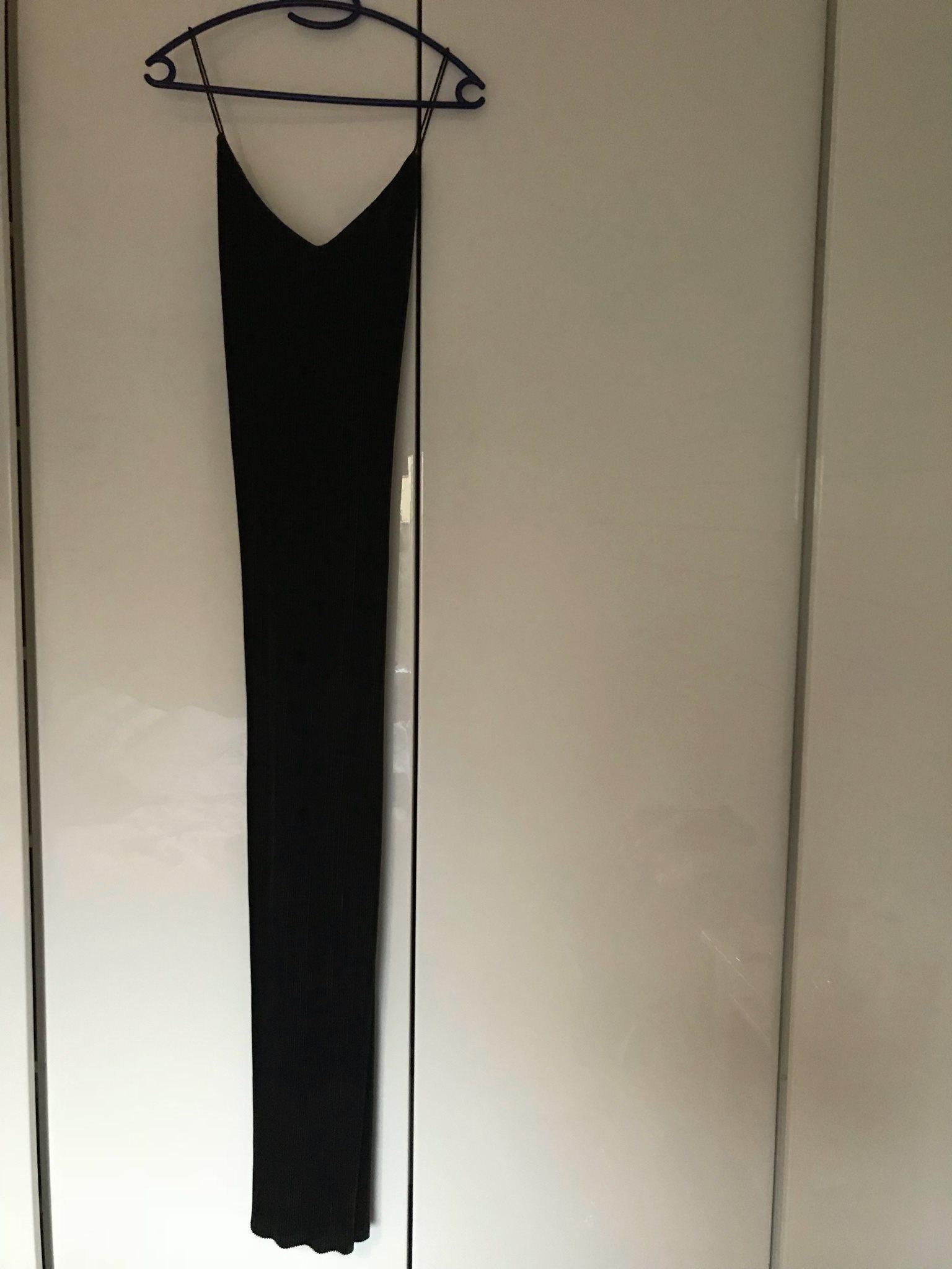 NY plisserad maxiklänning strl S från bikbok (337911535) ᐈ