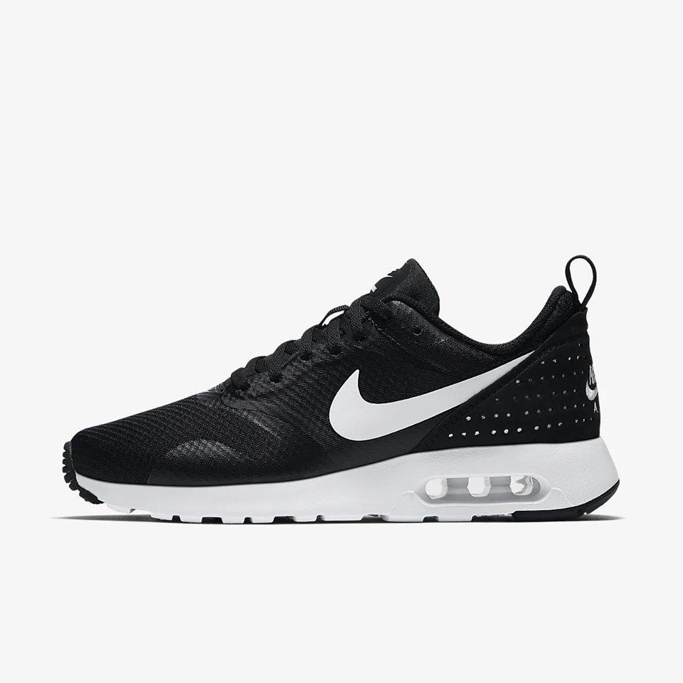 sports shoes 5cf28 9a004 svarta Nike Air Tavas skor storlek 39,5(25,5)