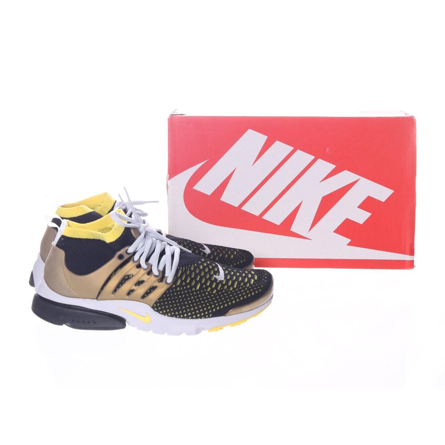newest 6d793 1534e Nike, Träningsskor, Strl  41, Air presto flyknit ultra, Svart Guldfärgad