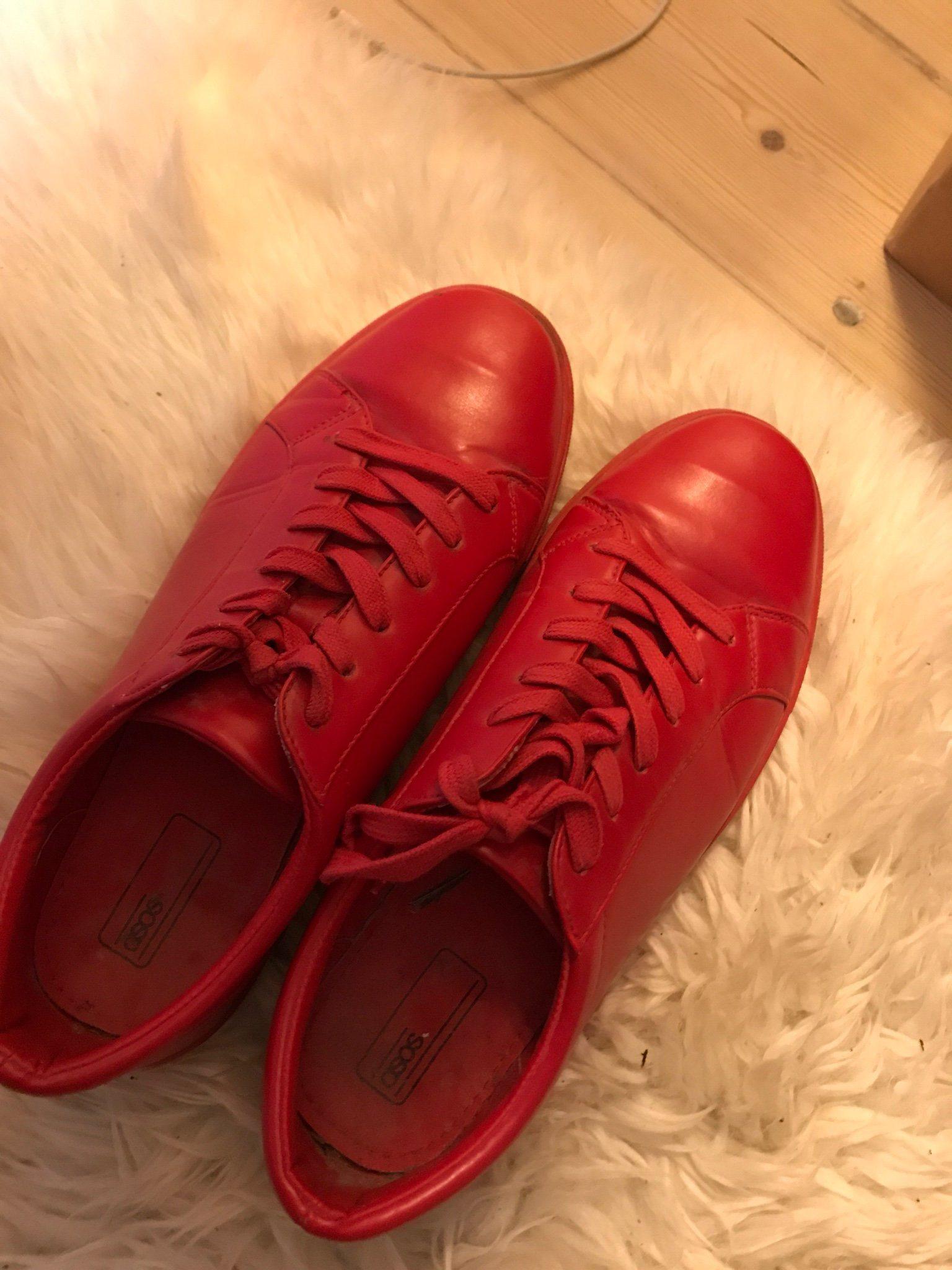 buy online 12db5 4b38e Röda sneakers herr
