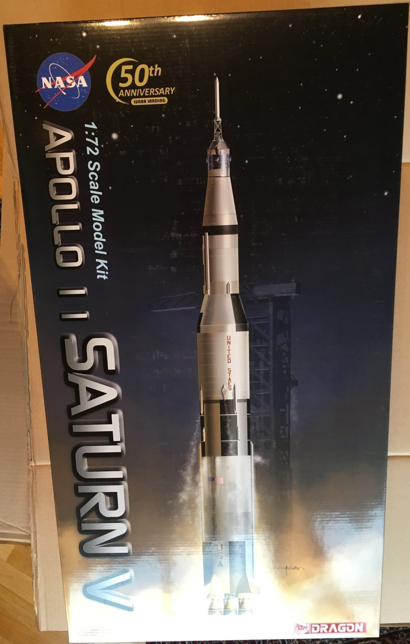 APOLLO 11    SATURN V             DRAGON 1/72