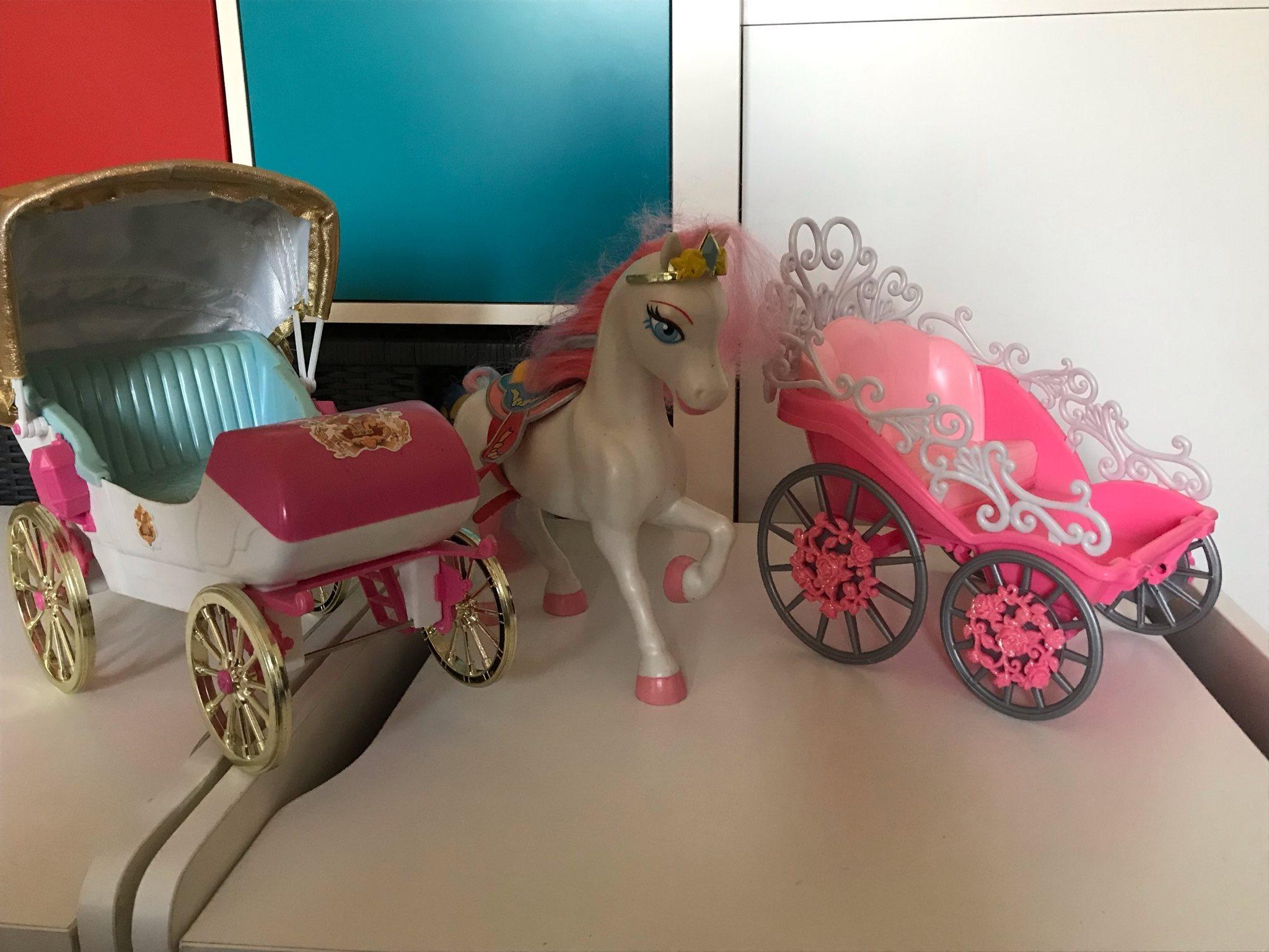 Barbie vagn med häst