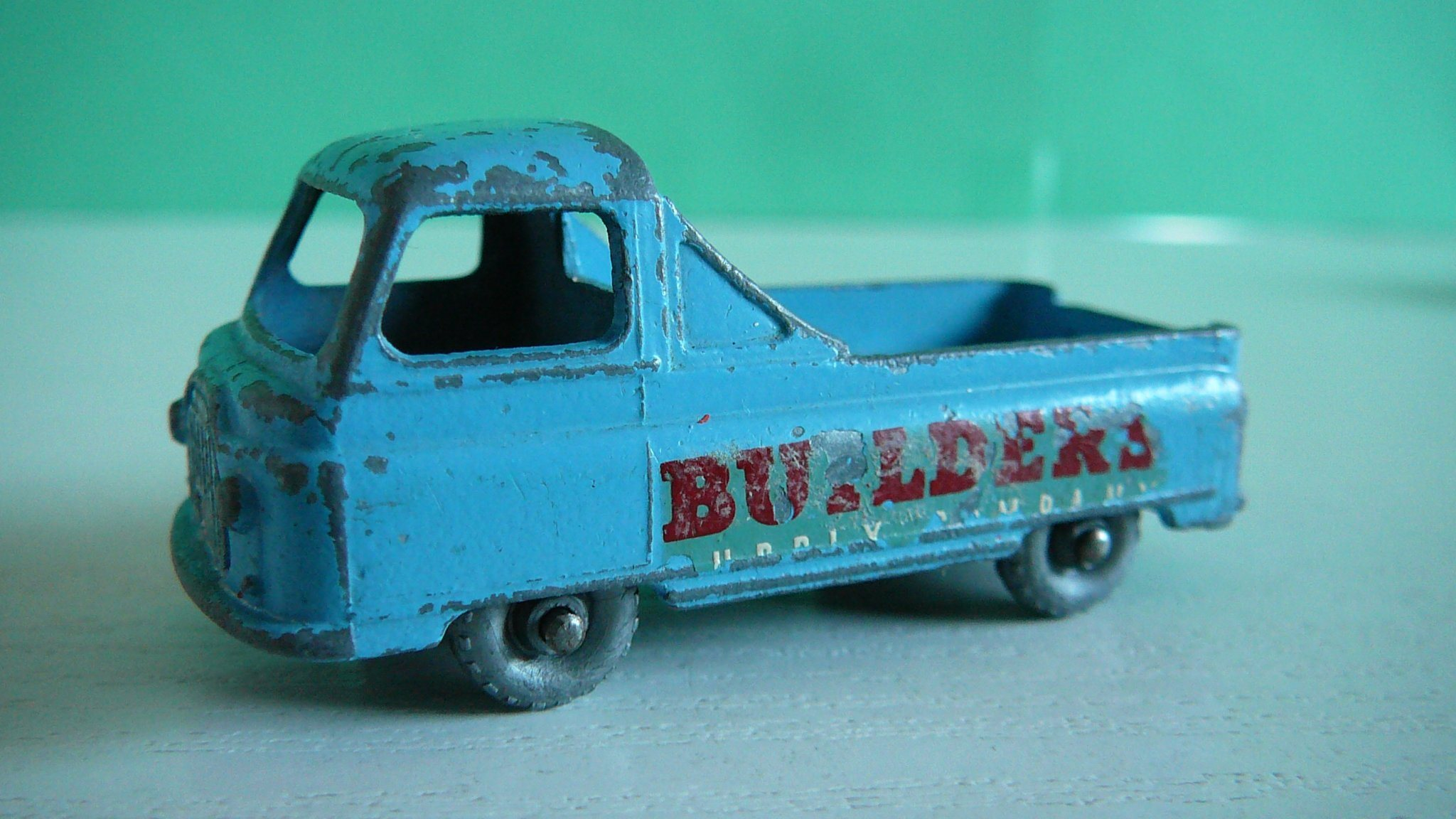 "Morris J2 Pick Up ""Builders Supply Company"" - Matchbox Lesney No. 60a"
