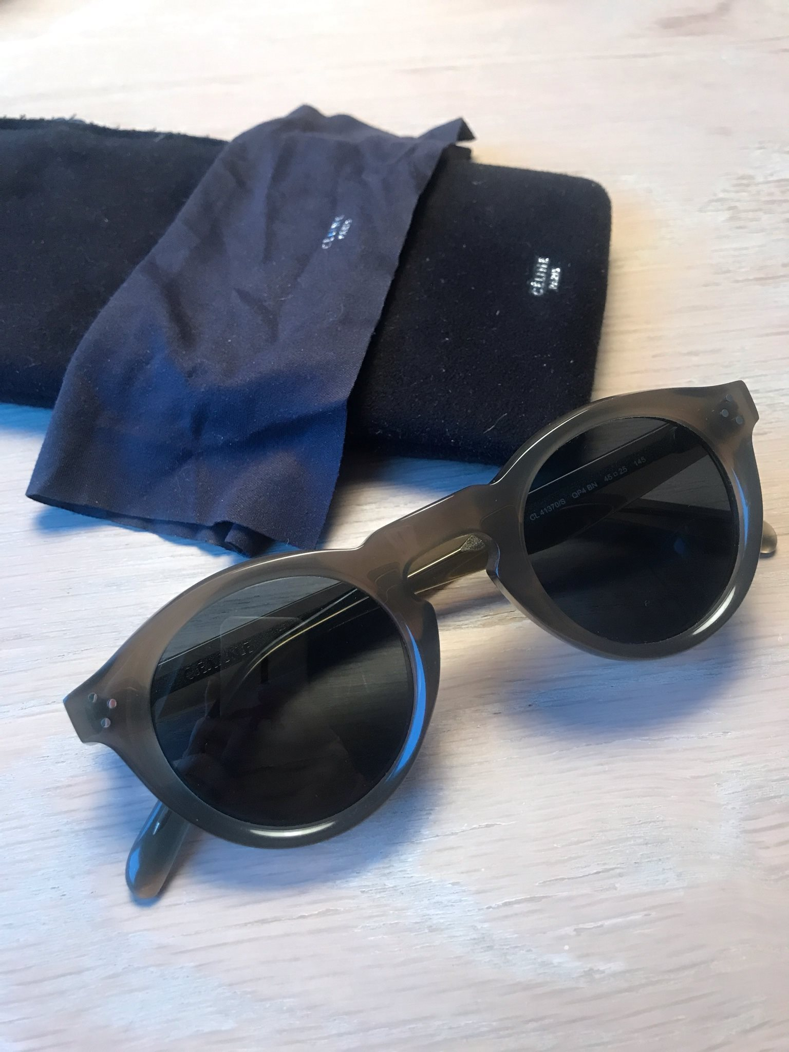 9becdad4038 Celine solglasögon