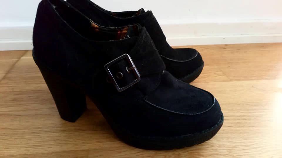 högklackade skor din sko