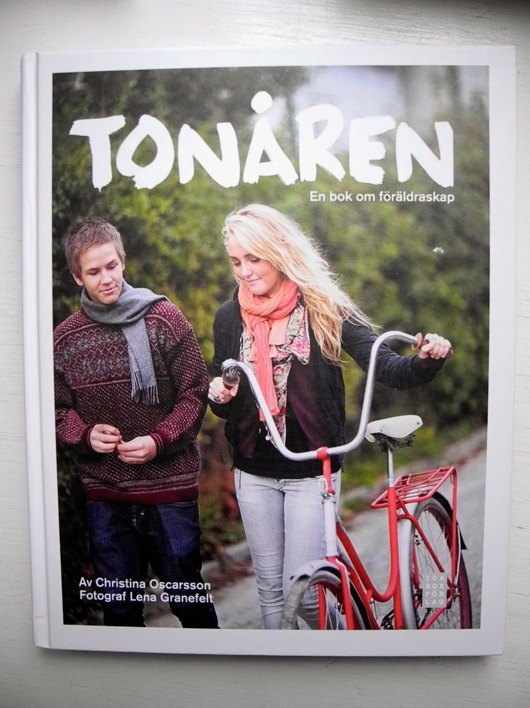 TONÅREN En En En bok om föräldraskap Christina Oscarsson 2009 0db0bb
