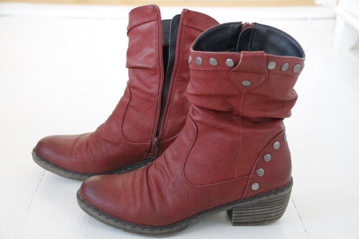 Stövlar, kängor, boots, Rieker, röda, skinn