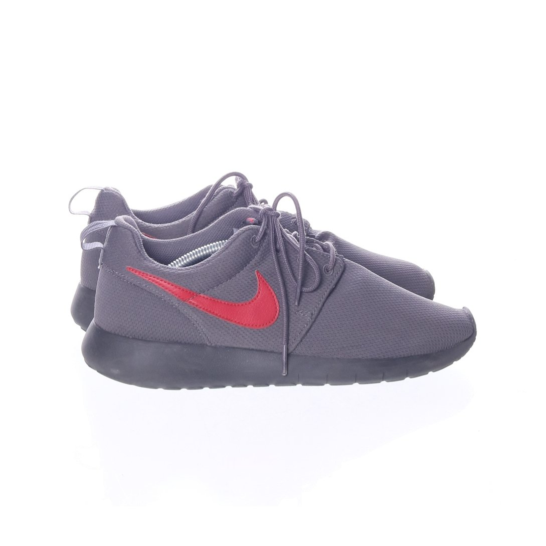 newest collection 46dfc 13e33 Nike Roshe Run, Sneakers, Strl  40, Grå Röd
