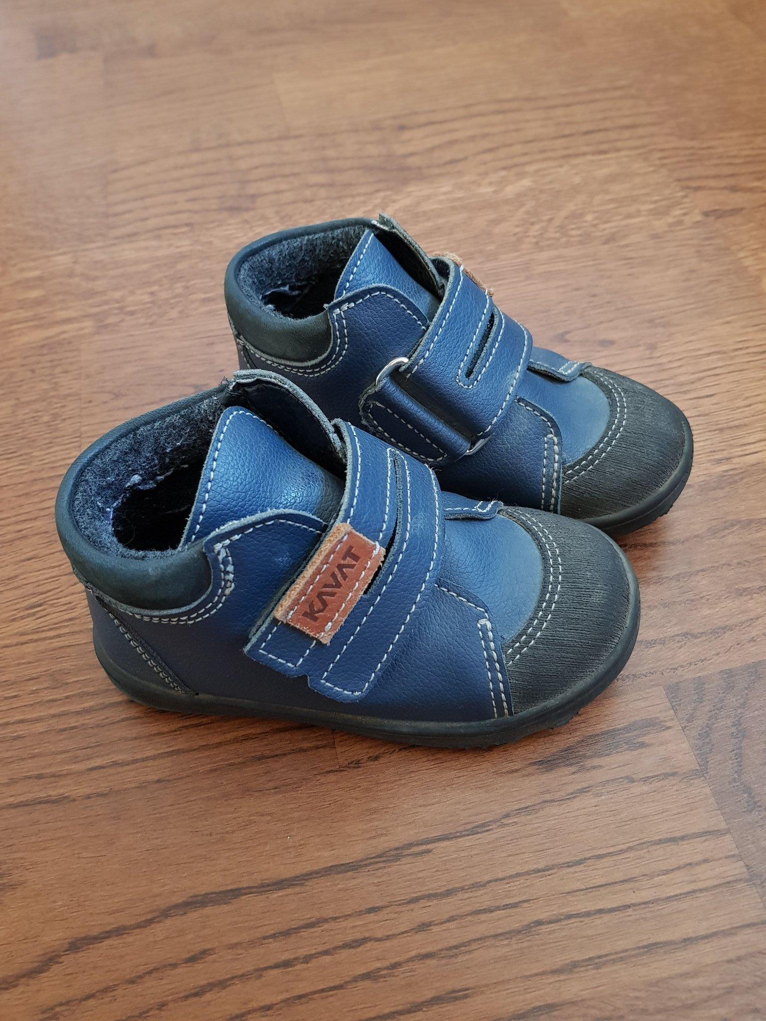 skor med högt skaft
