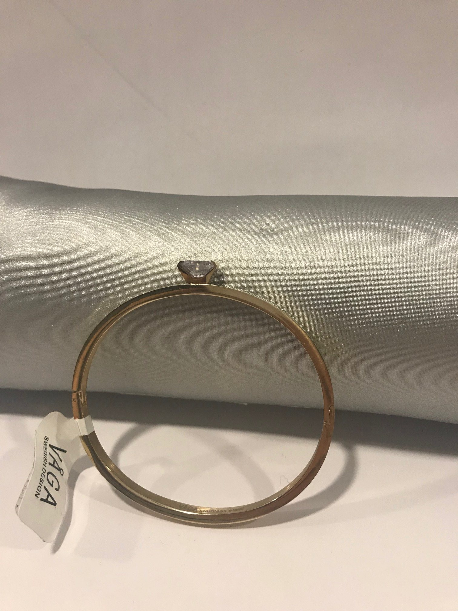 Armband från Våga Design (339178052) ᐈ Köp på Tradera 62368cb63dd01