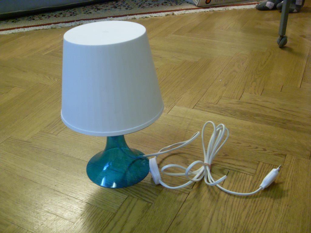 Bords/fönster lampor, 3 st likadana i plast från IKEA på Tradera.com -