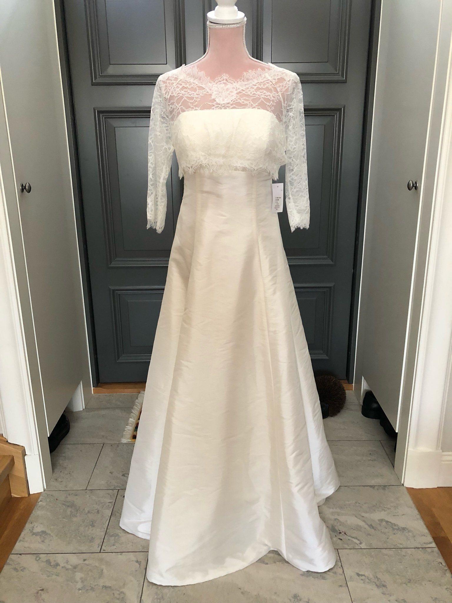 1782532d3de5 Ny brudklänning med avtagbar spetstopp från Bia.. (341099277) ᐈ Köp ...