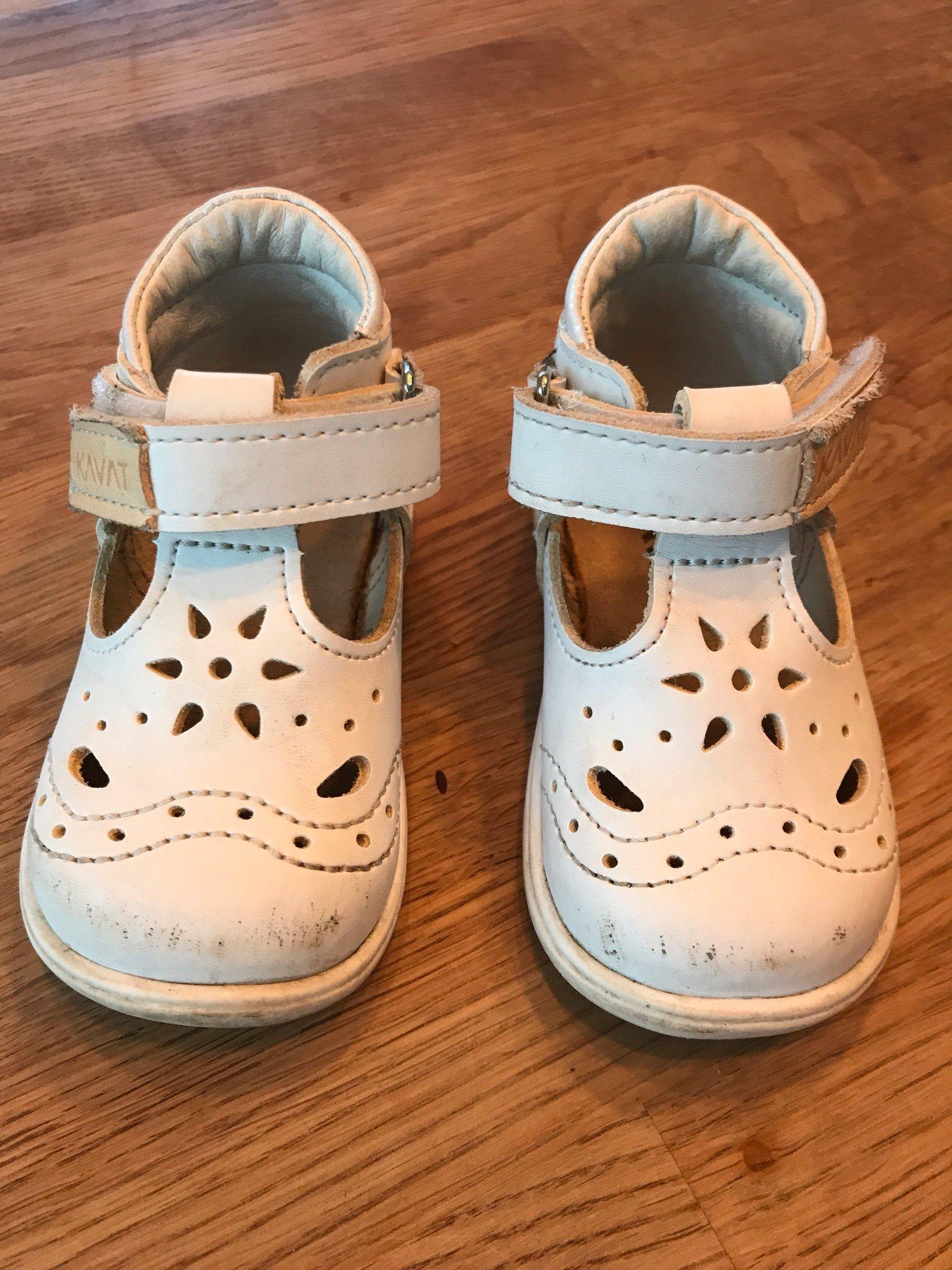 kavat sandaler vita