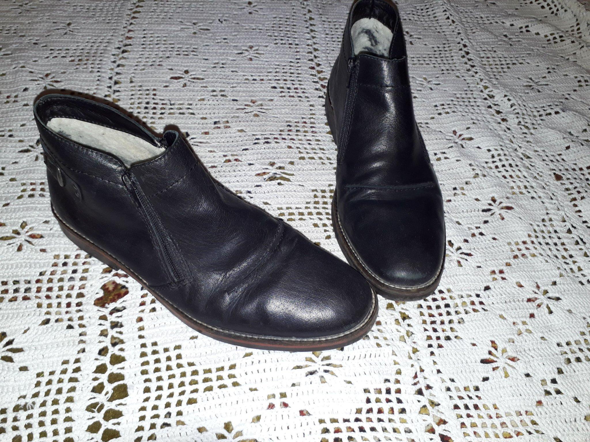 Rieker Black – Svarta fodrade boots i skinn Damskor