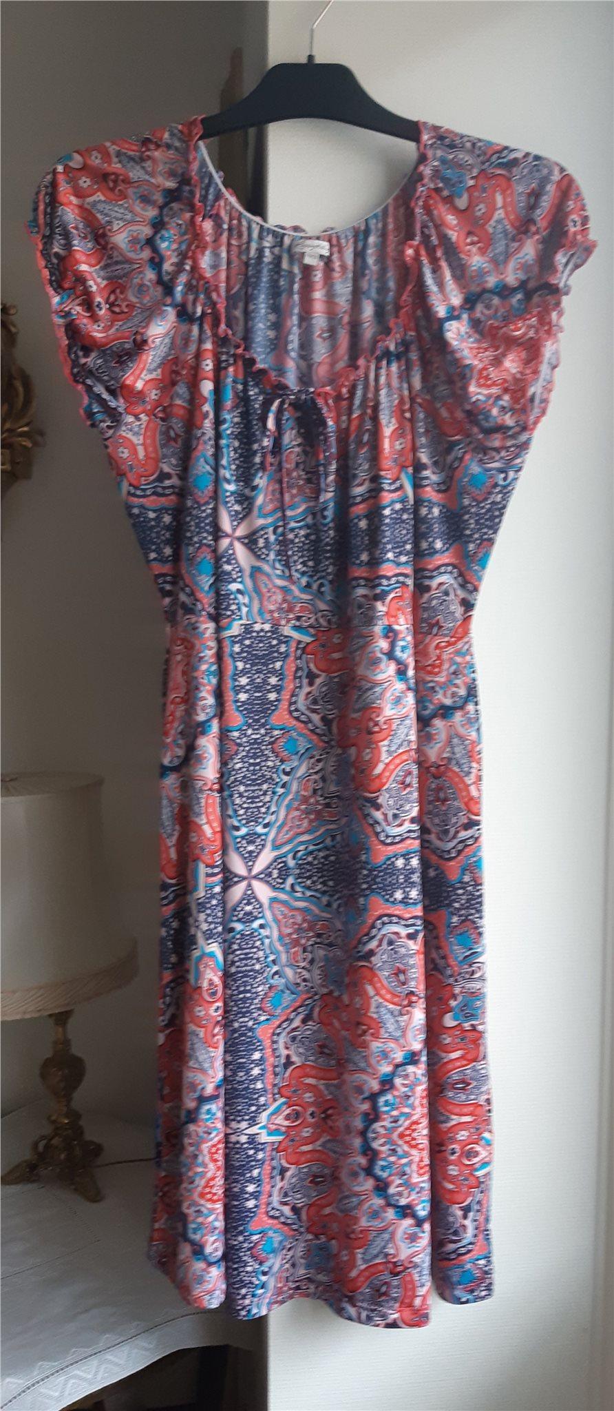 klänning storlek 48