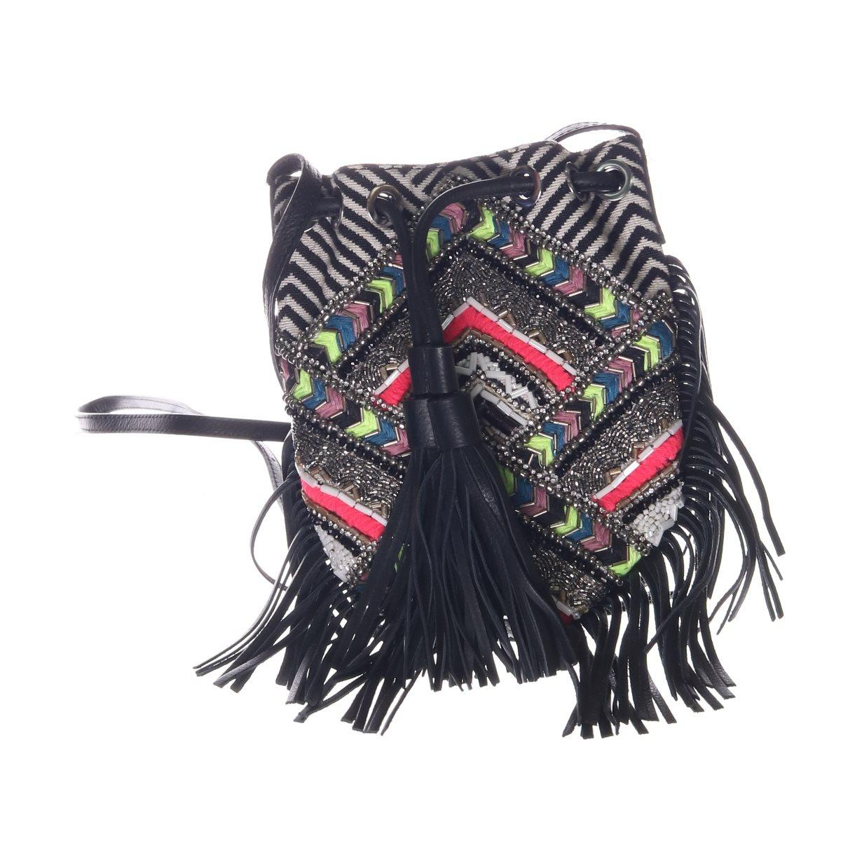 svart vit väska