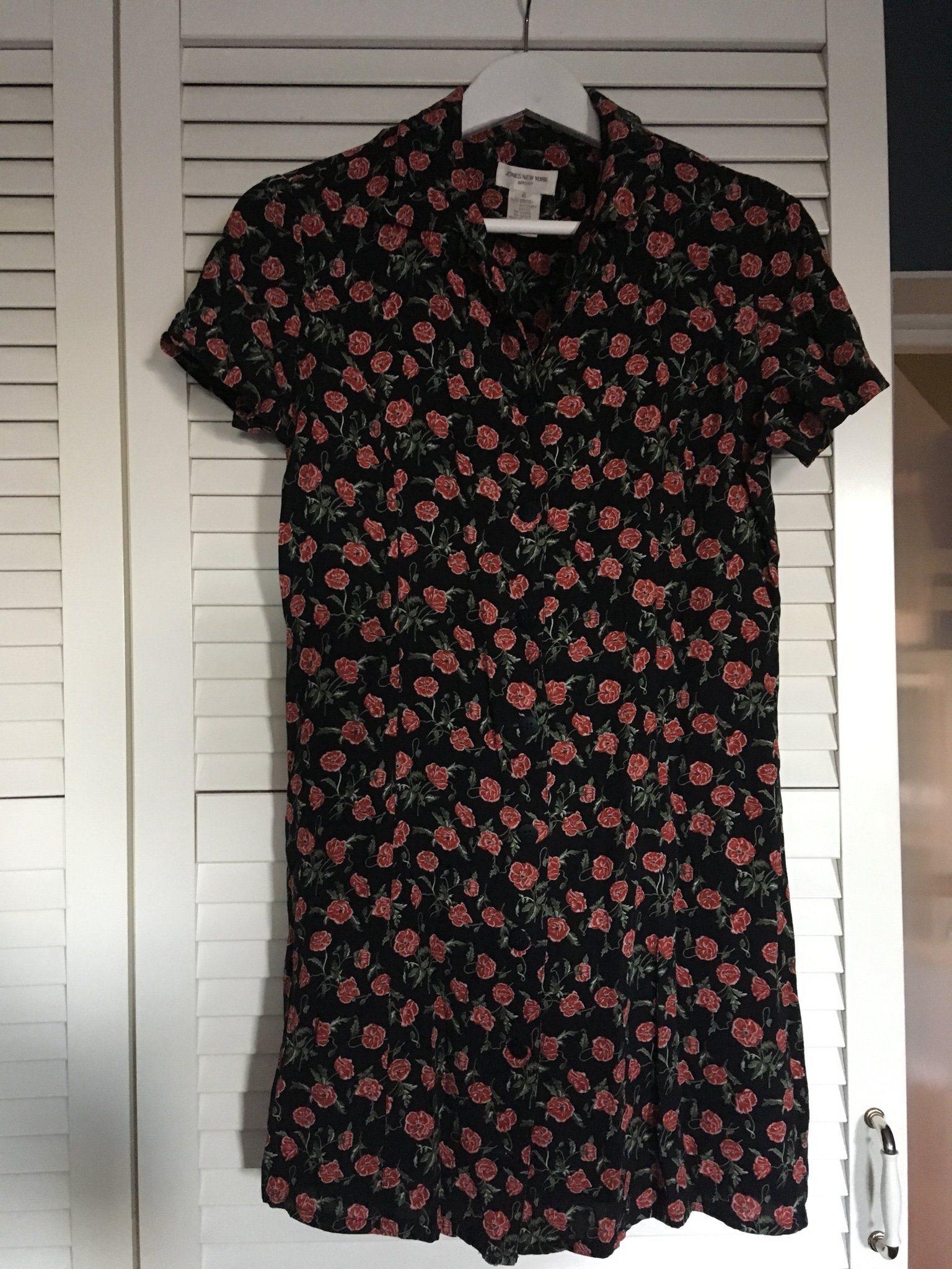 bcfd5be933e8 blommig klänning rosor knappar 90s 90-tal likna.. (345483649) ᐈ Köp ...