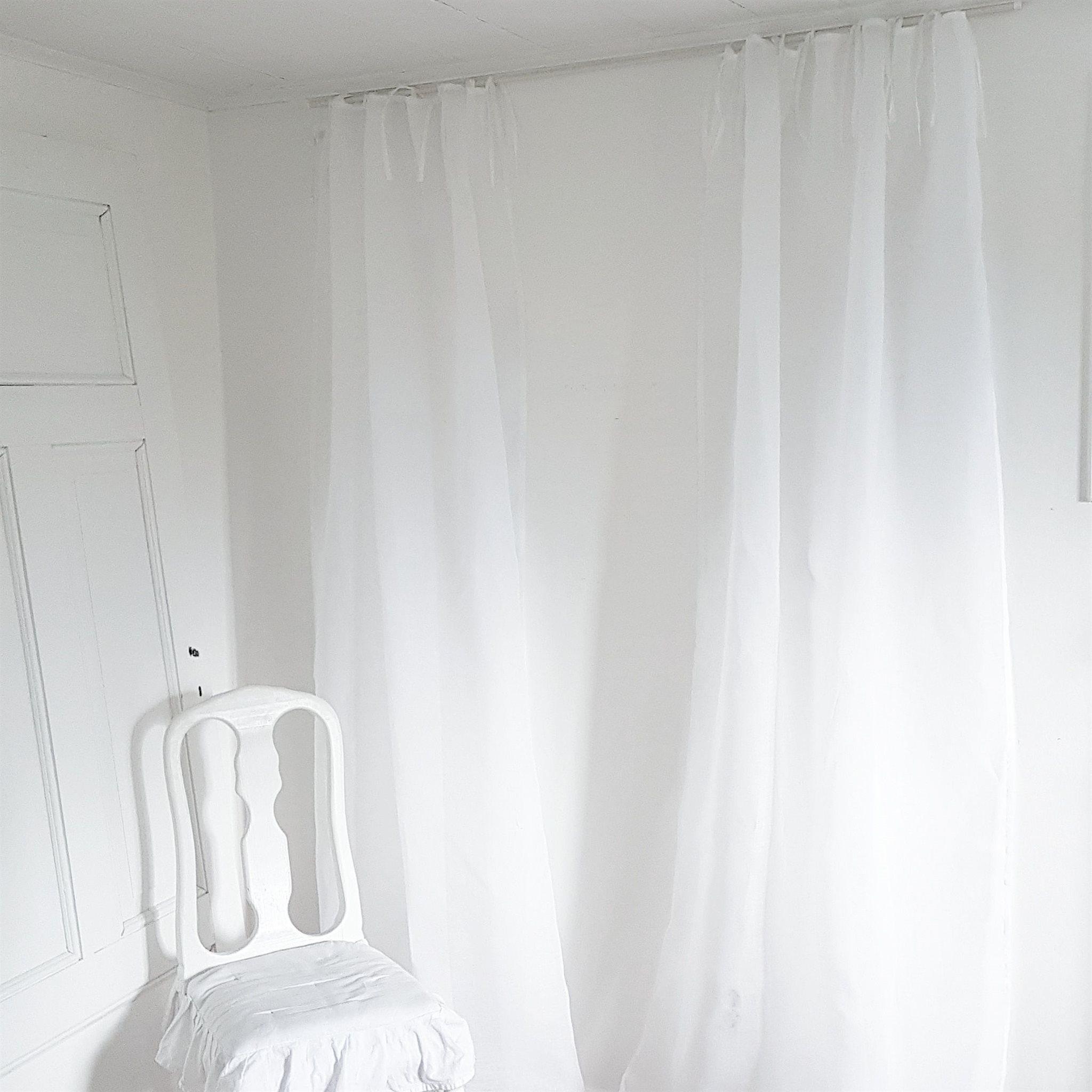 shabby chic gardiner shabby chic gardiner with shabby. Black Bedroom Furniture Sets. Home Design Ideas