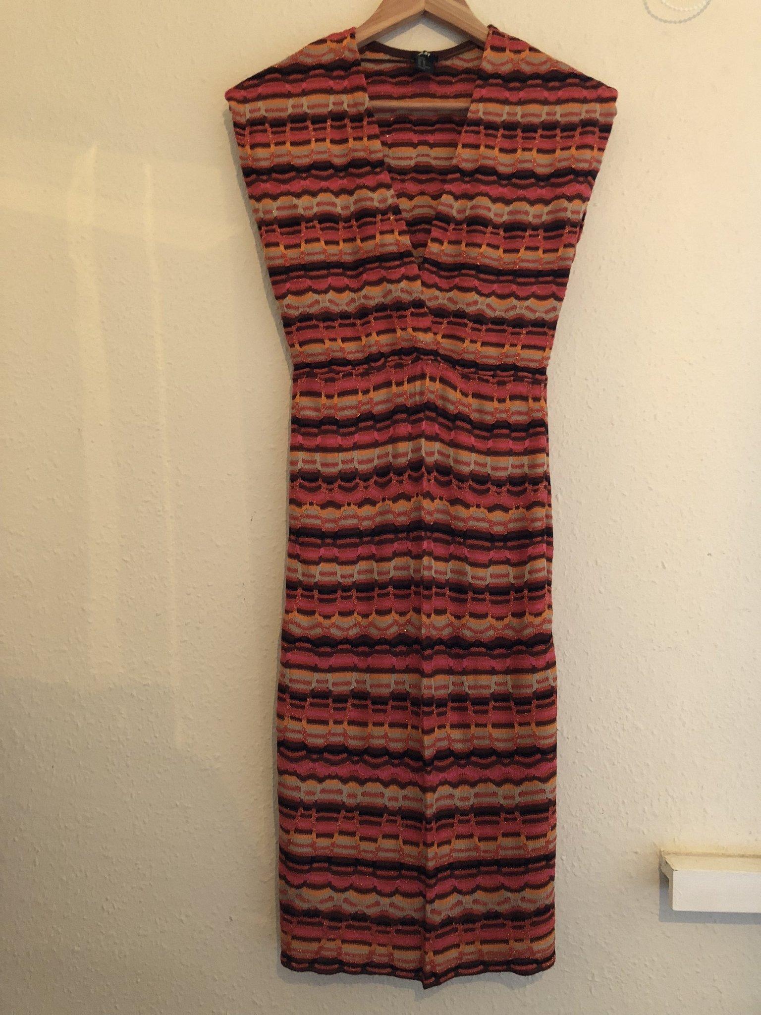 Stickad klänning glittrig randig rosa brun grå .. (416788673