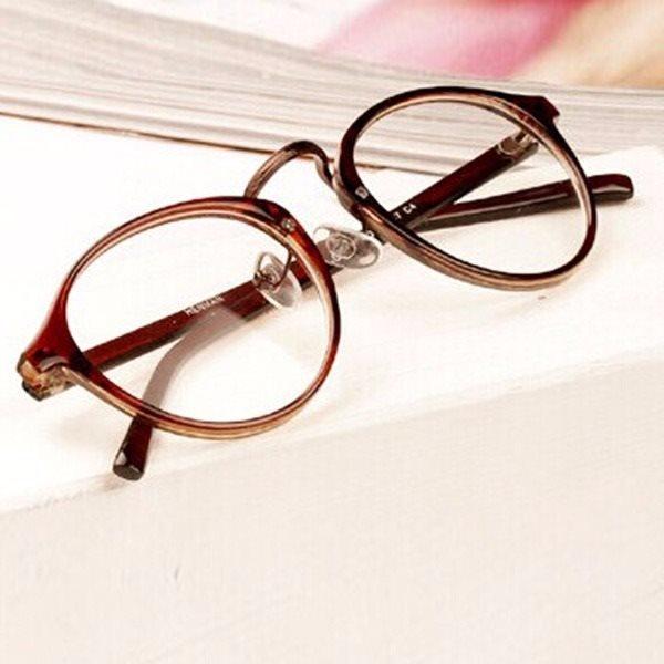 glasögon med fönsterglas