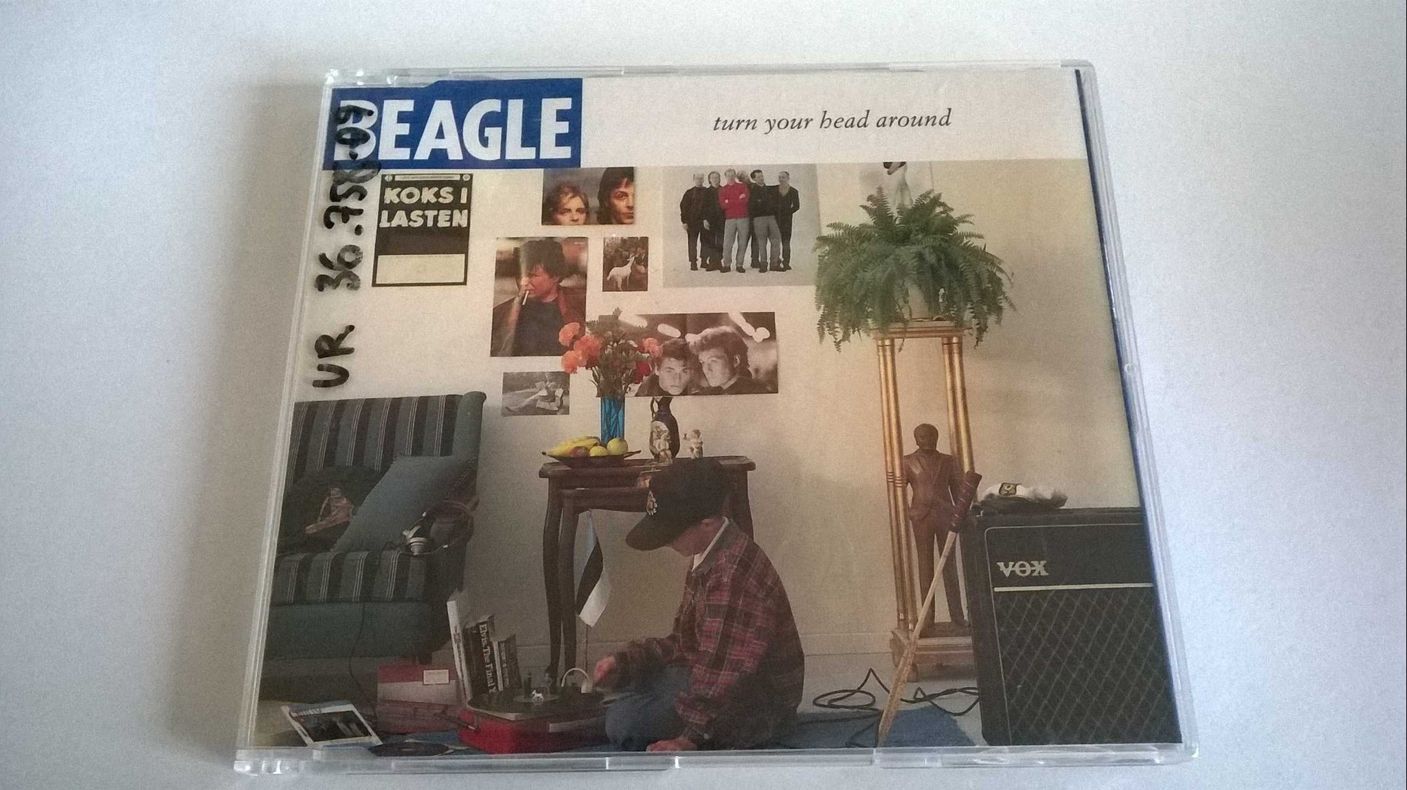 Beagle - Turn Your Head Around, CD