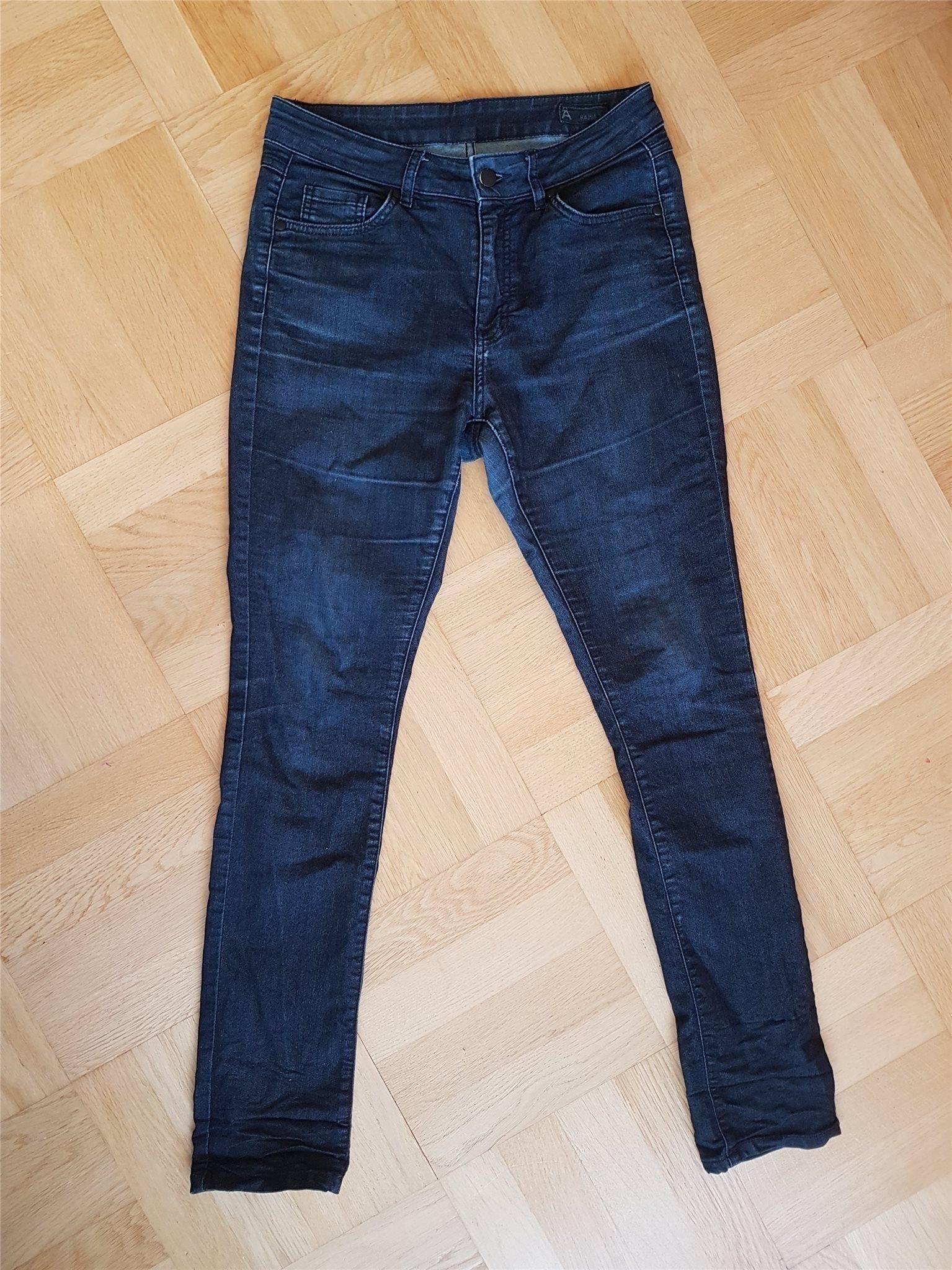 3877b2908646 Tajta jeans strl 30 hög midja från Åhlens (343593878) ᐈ Köp på Tradera