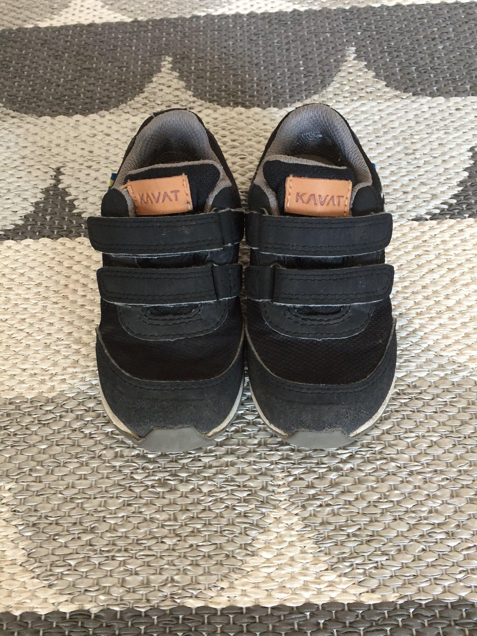 7c7c5bae408 Kavat Halland, svarta skor, storlek 24 (341746968) ᐈ Köp på Tradera