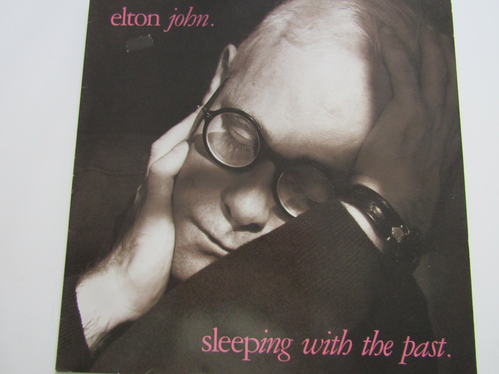 Elton John vinyl Sleeping With The Past. Från 1989.