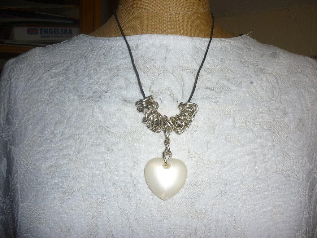 halsband (284537456) ᐈ Köp på Tradera e4acb18e5fdcf