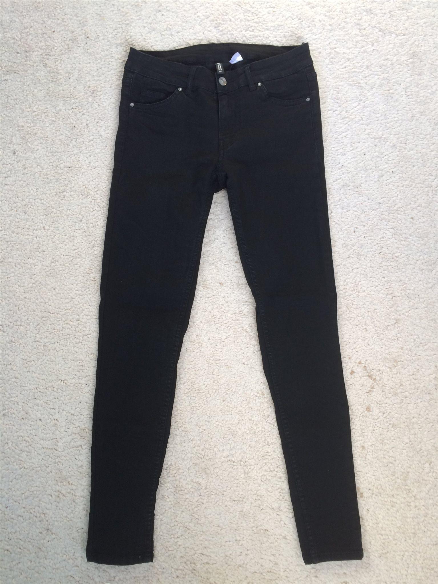 snygga svarta jeans