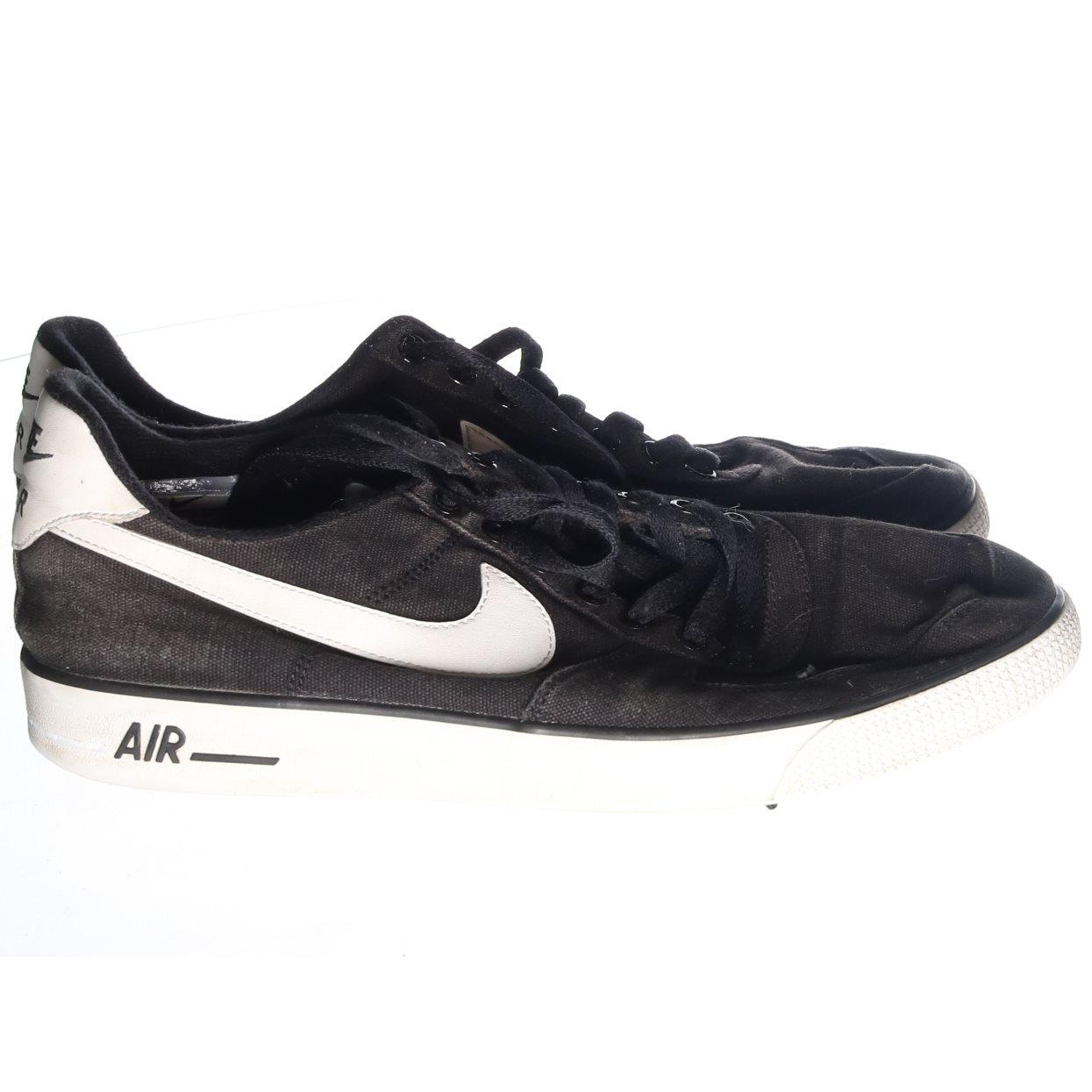 the latest db4f3 a2034 Nike, Sneakers, Strl  44.5, AIR, Svart Vit