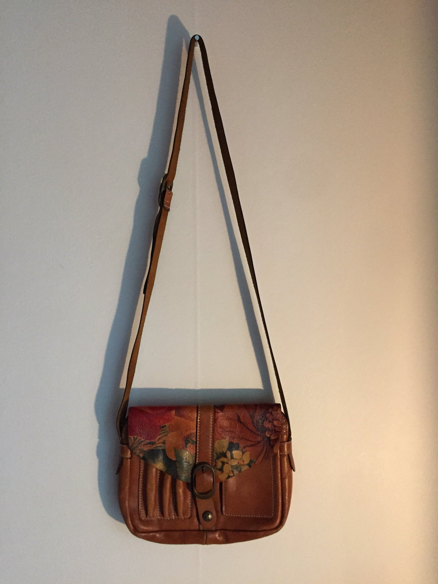 Söt Vintage väska med blommor. (358653137) ᐈ Köp på Tradera