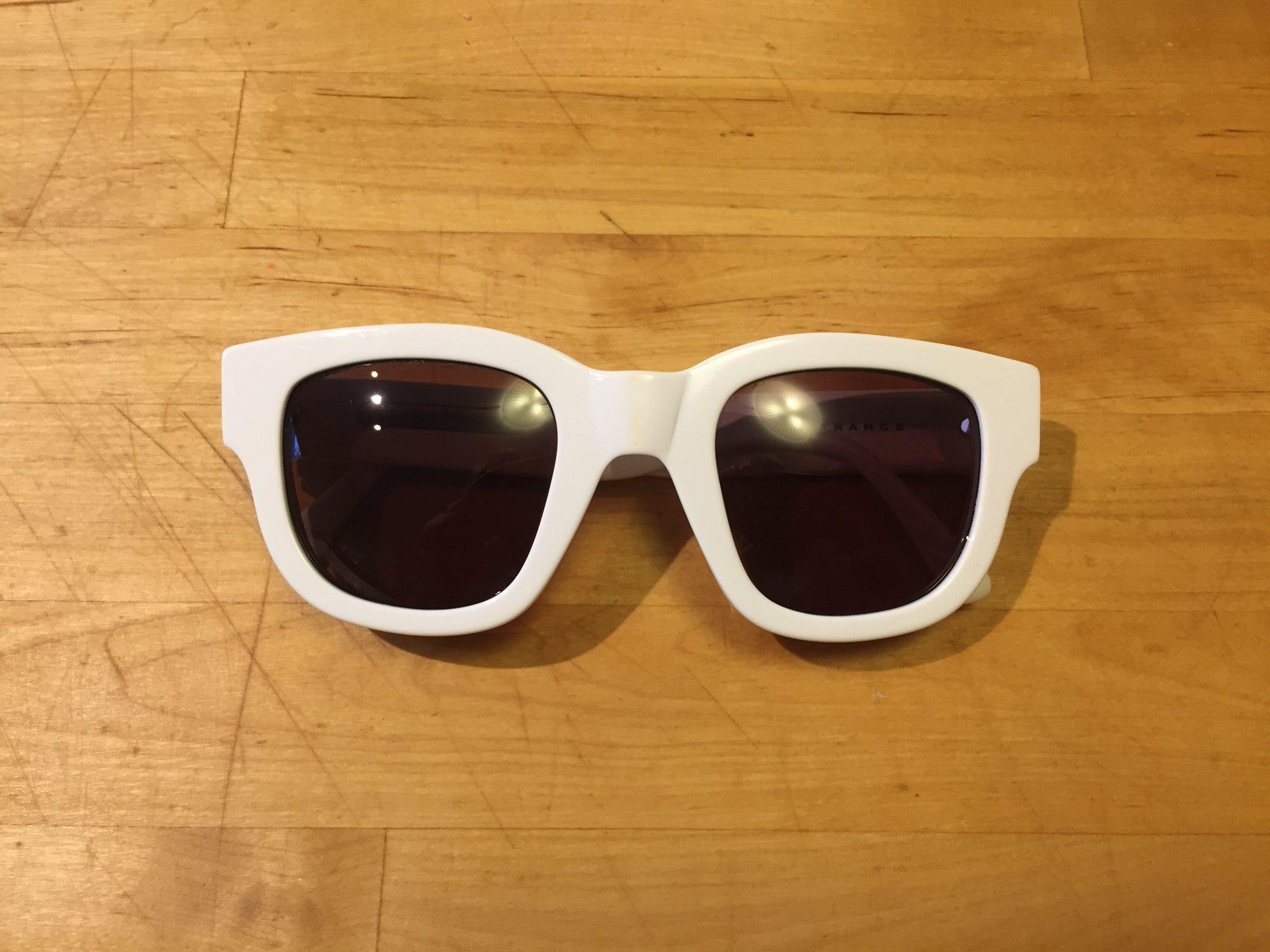 Acne solglasögon