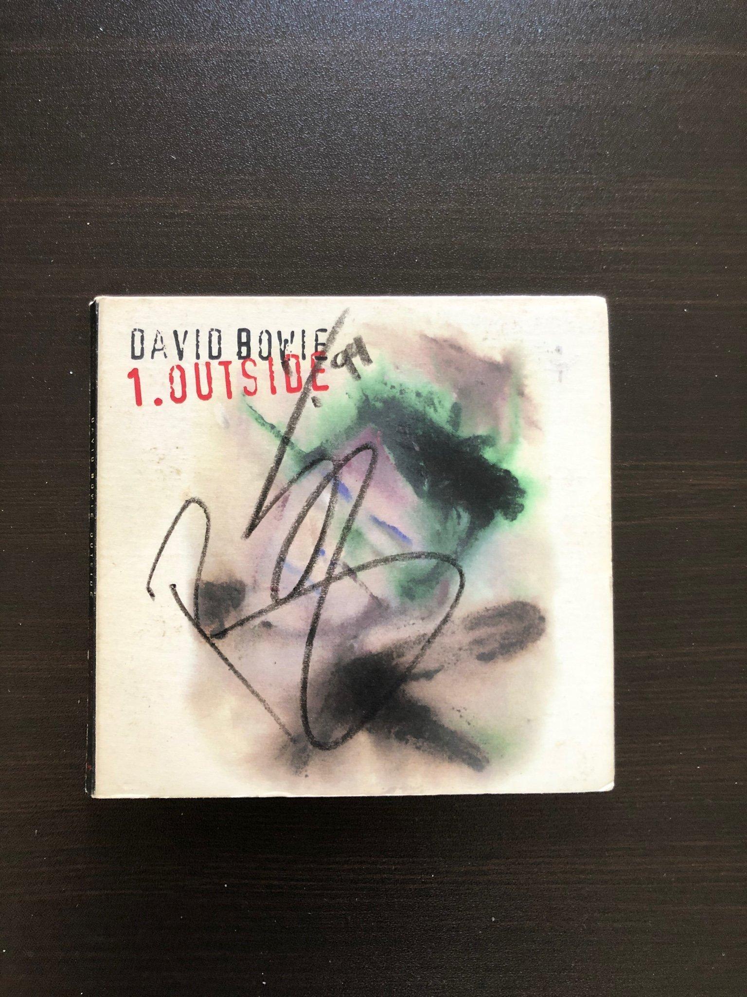 David Bowie - Outside (Endast fodral ,cd skivan fattas) Signerad