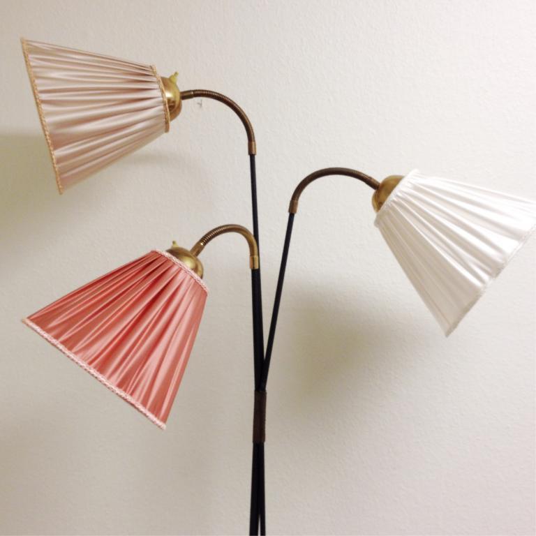 3 FINA LAMPSKäRMAR TILL DIN RETRO GOLVLAMPA VIT ROSA SAND på