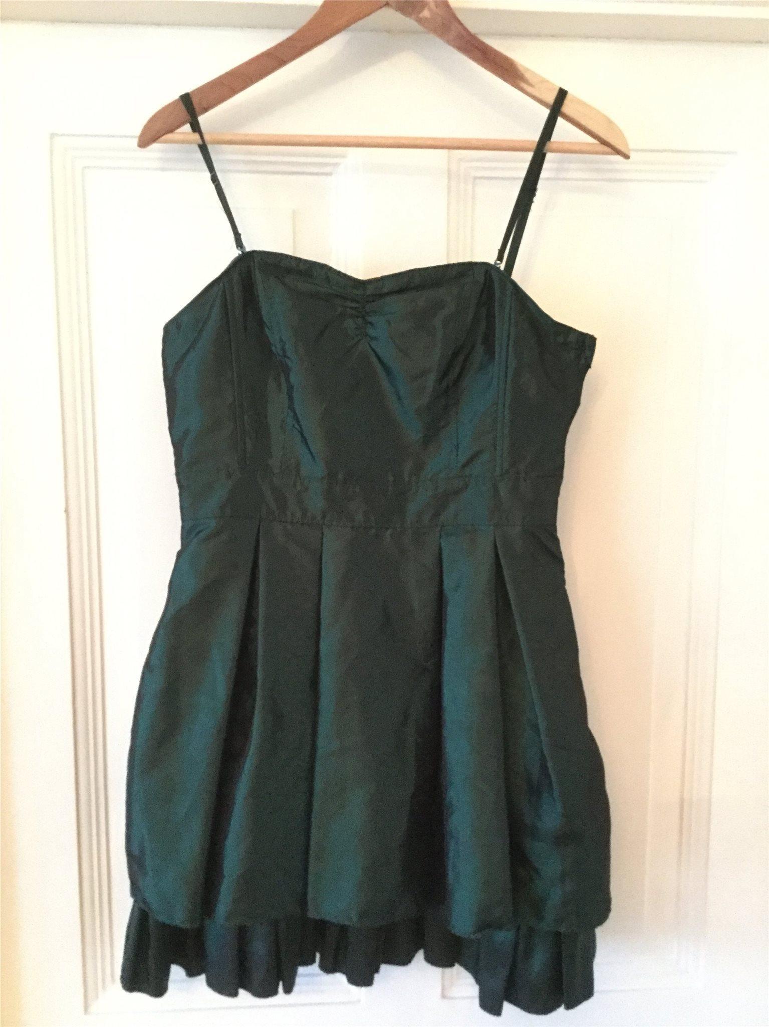 grön klänning fest