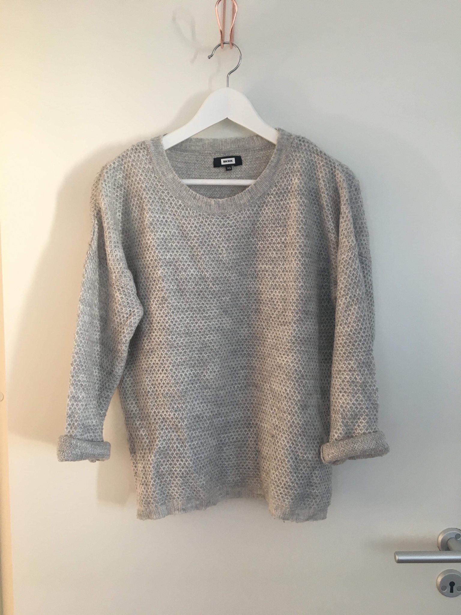 bikbok grå tröja