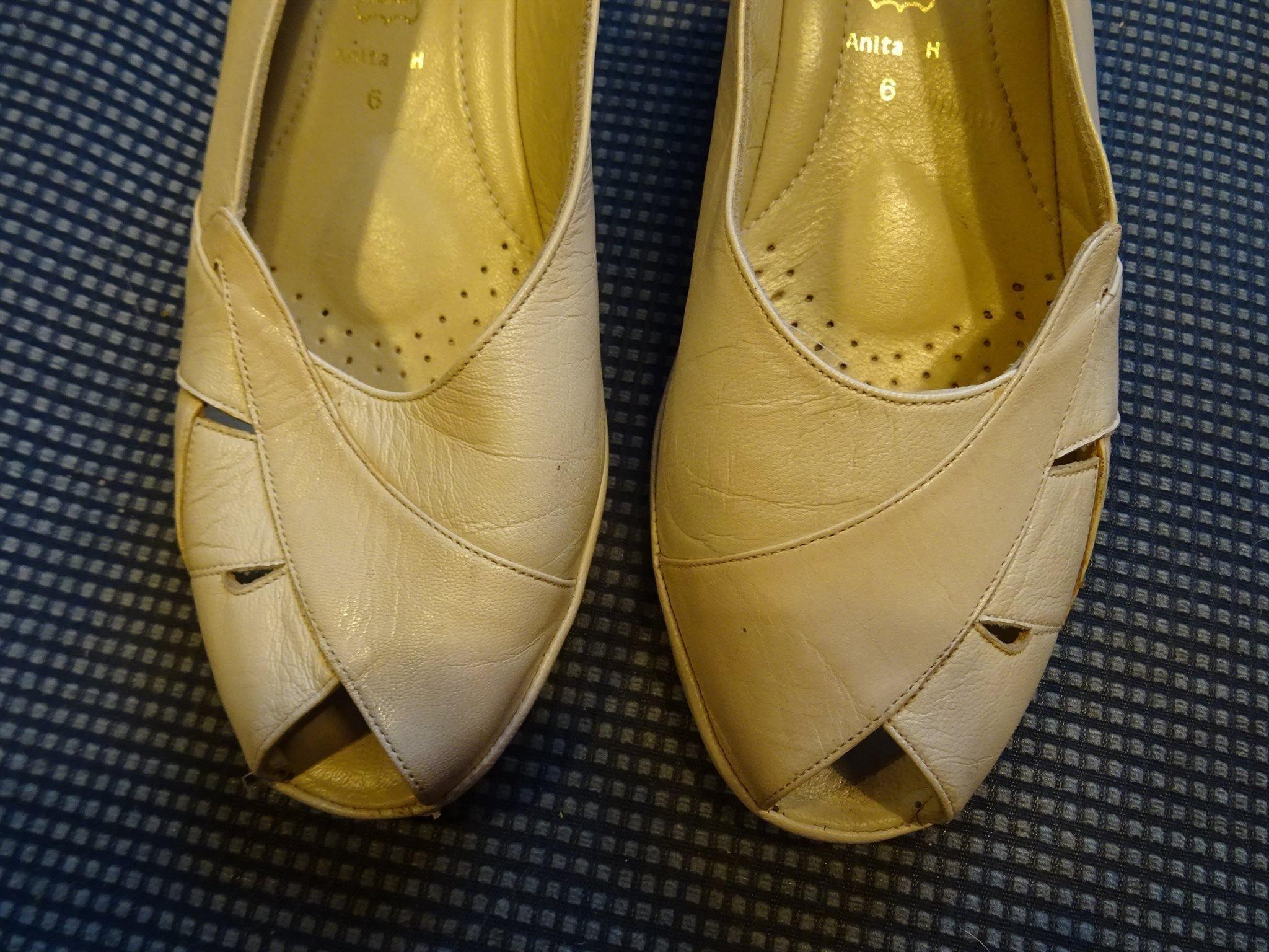 fem tå skor