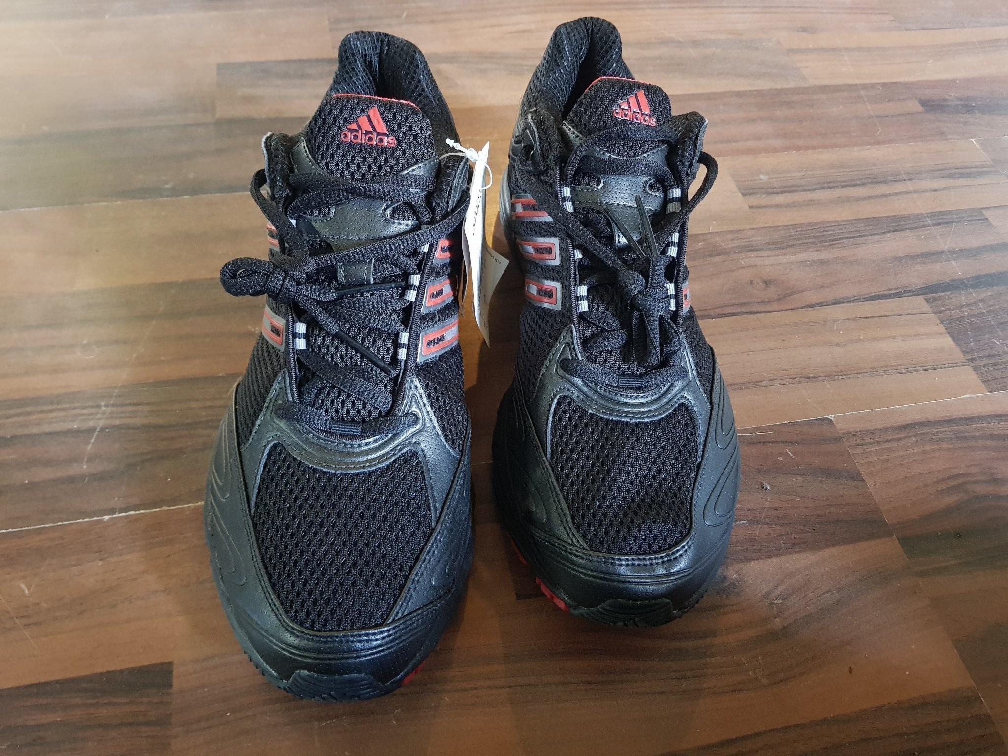 37. adidas skor storlek 43.5 (369066237) ᐈ Köp på Tradera