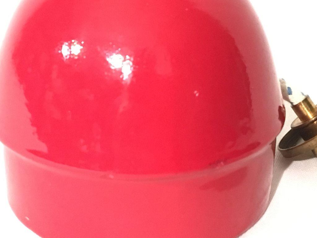 Ovanlig oljeljus från Höganäs Keramik i röd färg med ny veke på